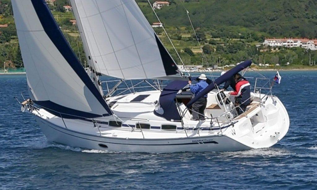 Bavaria 33 vitorlás hajónk