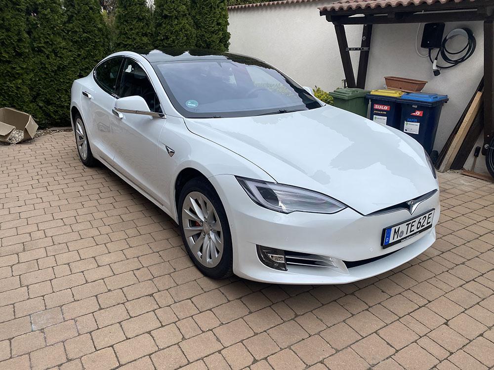 tesla 02 - Tesla élményvezetés