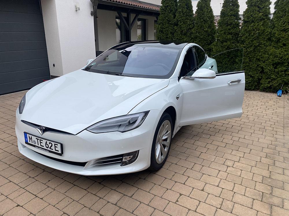tesla 03 - Tesla élményvezetés